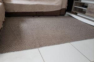 Detalhes do produto Tapete de sala manual mesclado medindo 150x200 cm
